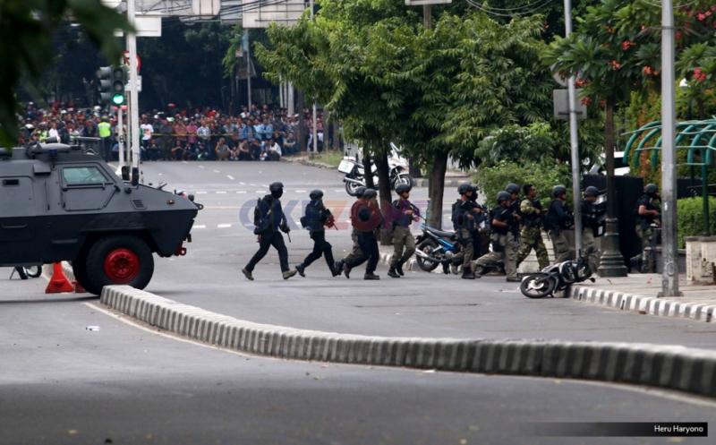 https: img-o.okeinfo.net content 2019 01 14 337 2003997 peristiwa-14-januari-serangan-bom-di-thamrin-gemparkan-indonesia-8eiVzBSWhB.jpg
