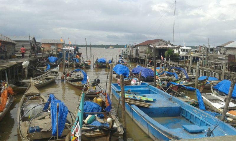 https: img-o.okeinfo.net content 2019 01 14 340 2004101 angin-kencang-dan-gelombang-tinggi-ancam-perairan-jambi-nelayan-takut-melaut-HDbAhtexhJ.jpg