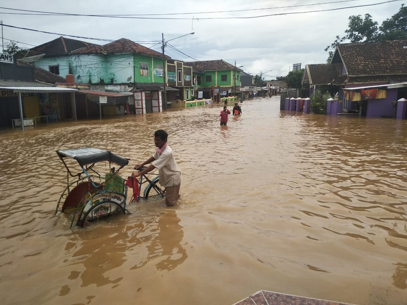 https: img-o.okeinfo.net content 2019 01 14 525 2003984 banjir-di-sukabumi-bpbd-akibat-bendungan-tersumbat-yxOPAa9Of4.jpg