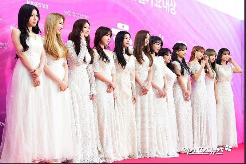 https: img-o.okeinfo.net content 2019 01 15 194 2004910 warna-monokrom-mendominasi-outfit-girlgroup-di-karpet-merah-28th-seoul-music-awards-bYSC6YUlJt.jpg