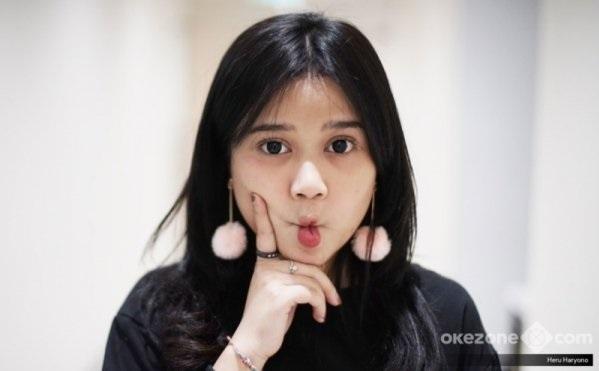 https: img-o.okeinfo.net content 2019 01 17 205 2005640 honor-sekali-manggung-rp40-juta-brisia-jodie-raisa-versi-murah-6hhJu9chl3.jpg