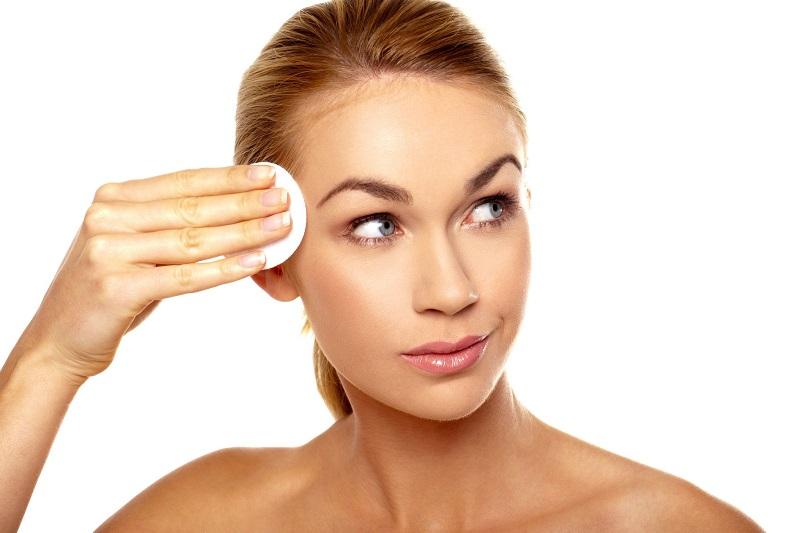 https: img-o.okeinfo.net content 2019 01 18 194 2006258 kulit-wajah-berminyak-ini-tips-jitu-agar-make-up-lebih-tahan-lama-7cbpmBxDZz.jpg