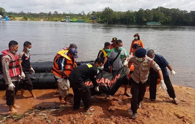 https: img-o.okeinfo.net content 2019 01 22 340 2007887 12-korban-kapal-tenggelam-di-sungai-kapuas-ditemukan-tewas-WqIucRLYds.jpg