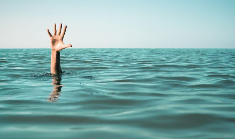 https: img-o.okeinfo.net content 2019 01 22 512 2008030 perahu-terbalik-penambang-pasir-tenggelam-di-sungai-serayu-Y3qMkA2EMV.jpg