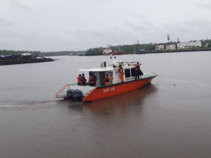 https: img-o.okeinfo.net content 2019 01 24 340 2008830 perahu-dihantam-ombak-2-nelayan-di-papua-hanyut-WQobjiF1Na.jpg