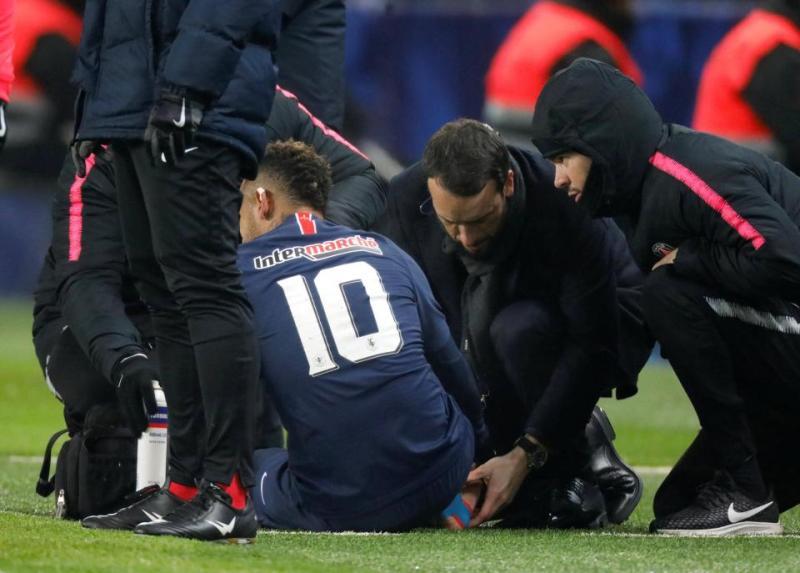 https: img-o.okeinfo.net content 2019 01 24 51 2008641 cedera-engkel-neymar-menangis-saat-tinggalkan-lapangan-Vu6prMb9GM.jpg