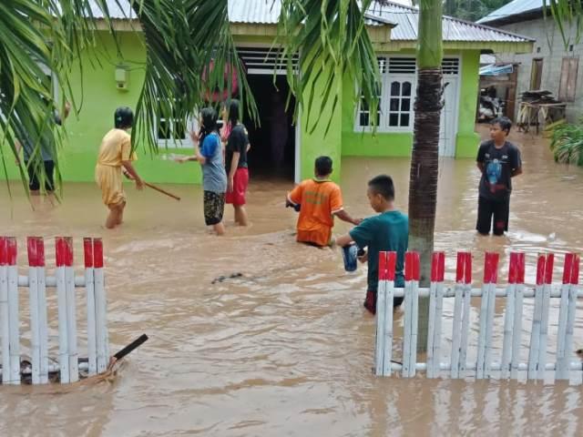https: img-o.okeinfo.net content 2019 01 27 340 2009912 banjir-landa-boalemo-gorontalo-2-208-jiwa-dan-665-rumah-terdampak-ayyIi6k8aF.jpg