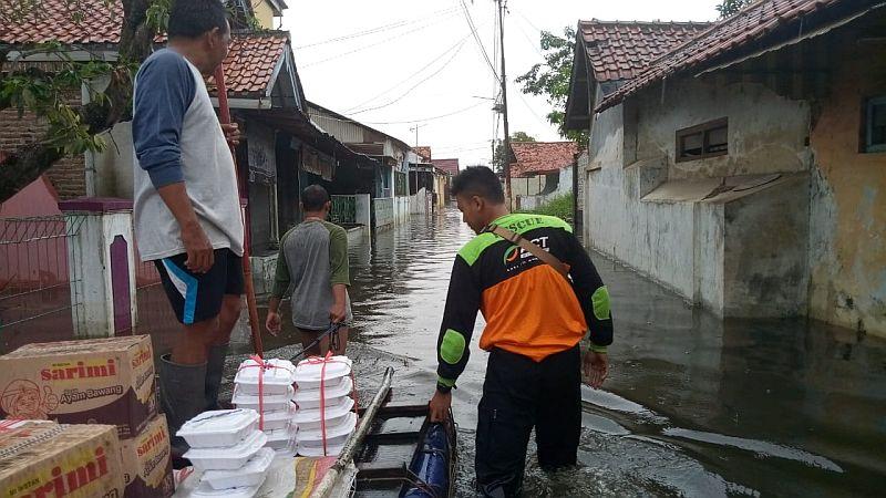 https: img-o.okeinfo.net content 2019 01 28 512 2010604 korban-banjir-pekalongan-butuh-makanan-siap-santap-obat-gatal-3SO10Q4LNR.jpg