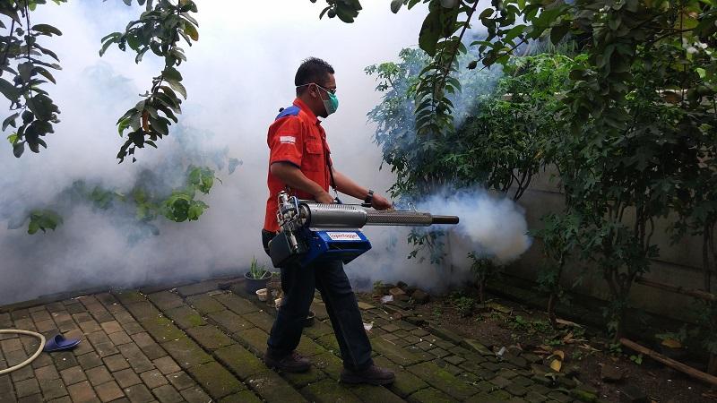 https: img-o.okeinfo.net content 2019 02 02 338 2012919 basmi-nyamuk-dbd-rescue-perindo-fogging-800-rumah-di-kampung-poncol-serpong-gQAu06FxvG.jpg