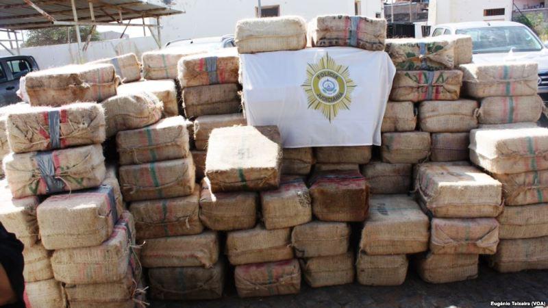 https: img-o.okeinfo.net content 2019 02 03 18 2013087 9-5-ton-kokain-diamankan-dari-kapal-rusia-AiLCy0YxZs.jpg