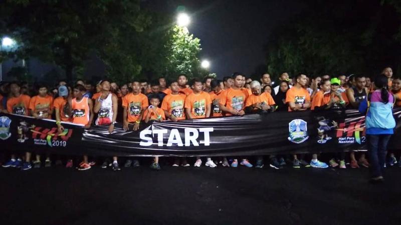https: img-o.okeinfo.net content 2019 02 03 519 2013131 5-000-peserta-meriahkan-5k-fun-run-hpn-2019-di-surabaya-exMhbi90ez.jpg