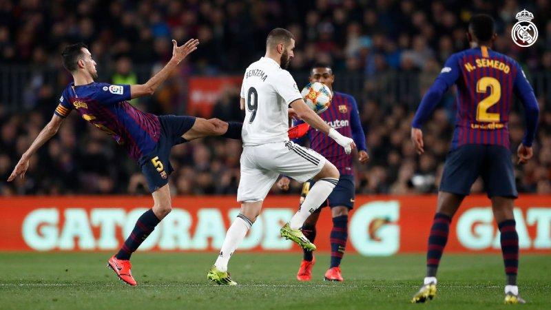 https: img-o.okeinfo.net content 2019 02 07 46 2014643 gol-cetak-vazquez-buat-madrid-unggul-1-0-atas-barcelona-di-babak-pertama-uzpeyqfZiT.jpg