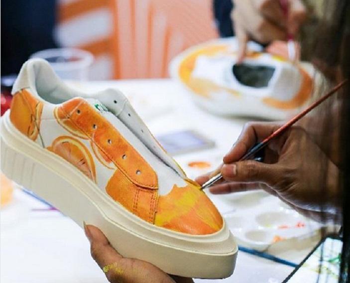 https: img-o.okeinfo.net content 2019 02 08 194 2015568 tren-sepatu-custom-ini-alasan-banyak-orang-rela-bayar-mahal-cYSoLsRROx.jpg