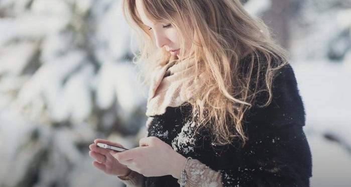 https: img-o.okeinfo.net content 2019 02 08 92 2015457 tips-melindungi-smartphone-dari-suhu-dingin-AxGgFWi9nZ.jpg