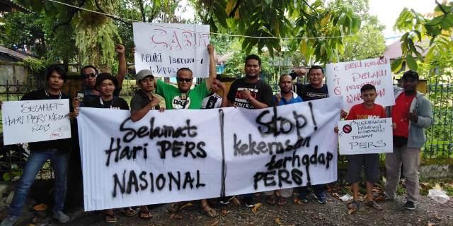 https: img-o.okeinfo.net content 2019 02 09 340 2015728 ragam-unek-unek-jurnalis-papua-di-hari-pers-nasional-2019-I7q2ZIoqAI.jpg