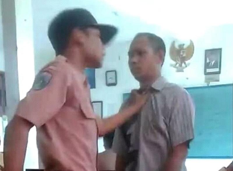 https: img-o.okeinfo.net content 2019 02 10 519 2015988 viral-video-murid-bully-guru-smp-di-gresik-ini-pandangan-kpai-NbCmeOasKf.jpg