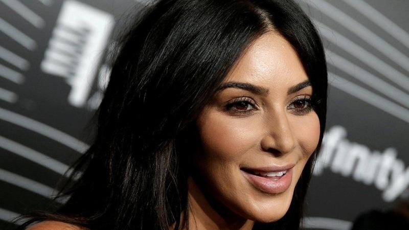 https: img-o.okeinfo.net content 2019 02 12 33 2016870 tak-selalu-miliki-tubuh-sempurna-kim-kardashian-juga-punya-penyakit-kulit-qgZjZvDBjB.jpg