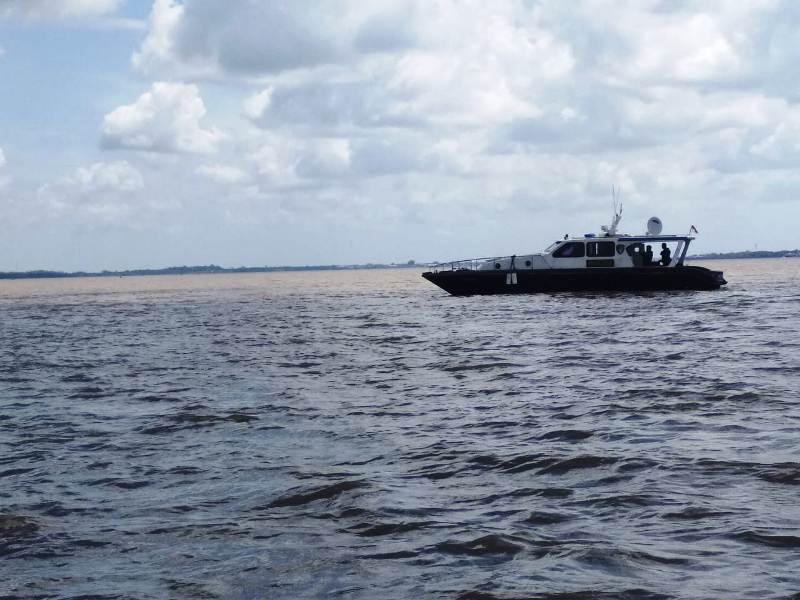 https: img-o.okeinfo.net content 2019 02 12 340 2016820 kapal-tujuan-malaysia-tenggelam-dihantam-ombak-di-perairan-meranti-eCunQd6dj3.jpg