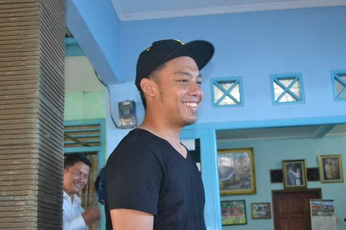 https: img-o.okeinfo.net content 2019 02 12 51 2016805 hamka-hamzah-ingatkan-penggunaan-media-sosial-kepada-pemain-timnas-indonesia-Fq3LCCdTQB.jpg