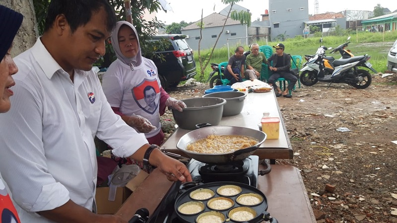 https: img-o.okeinfo.net content 2019 02 12 606 2016888 pelatihan-cooking-class-caleg-perindo-wujudkan-peluang-usaha-untuk-menambah-penghasilan-8GlcQFLgEL.jpg
