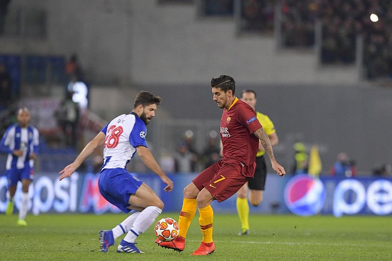 https: img-o.okeinfo.net content 2019 02 13 261 2017137 as-roma-vs-fc-porto-nihil-gol-di-babak-pertama-SALTpT34dv.jpg