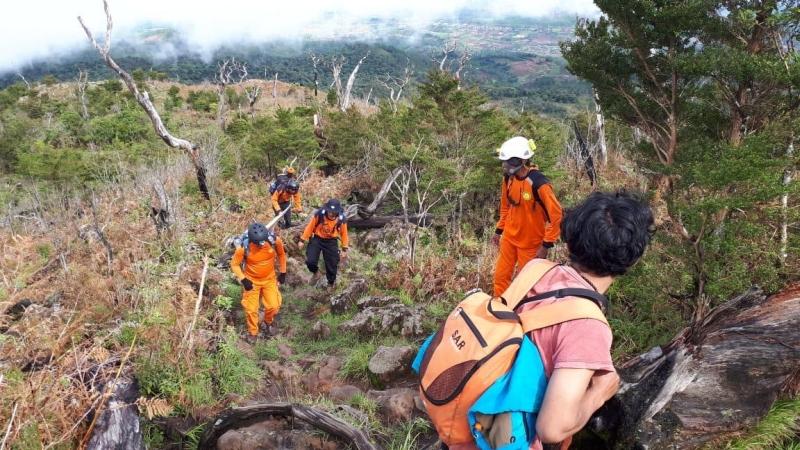 https: img-o.okeinfo.net content 2019 02 13 609 2017444 terpisah-dari-rombongan-seorang-pendaki-gunung-bawakaraeng-hilang-z1cwAcF9tb.jpg