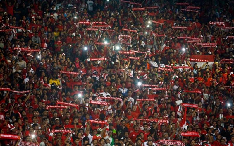 https: img-o.okeinfo.net content 2019 02 14 337 2017979 terbitkan-inpres-jokowi-ingin-sepak-bola-indonesia-berprestasi-hingga-internasional-d32f0ffc25.jpg