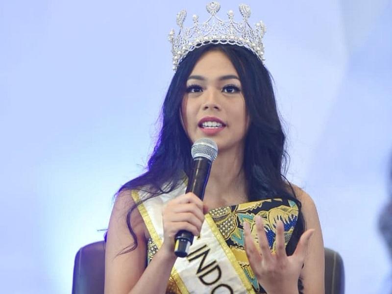https: img-o.okeinfo.net content 2019 02 15 194 2018658 lepas-mahkota-begini-pesan-alya-nurshabrina-untuk-miss-indonesia-2019-7Y0w9Y6zEP.jpg