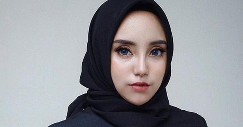 https: img-o.okeinfo.net content 2019 02 18 33 2019557 lepas-hijab-yuk-intip-penampilan-salmafina-sunan-terkini-WjrDgbejQa.jpg
