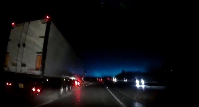https: img-o.okeinfo.net content 2019 02 19 18 2019904 cahaya-misterius-di-wales-pakar-ufo-sebut-ada-pangkalan-rahasia-bawah-tanah-alien-Oc02zO2ePn.jpg