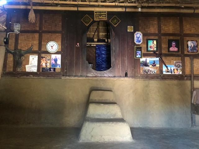 https: img-o.okeinfo.net content 2019 02 22 406 2021439 potret-kampung-sade-lombok-kerajinan-tangan-jadi-nadi-kehidupan-wQ4IW3oXUp.jpeg