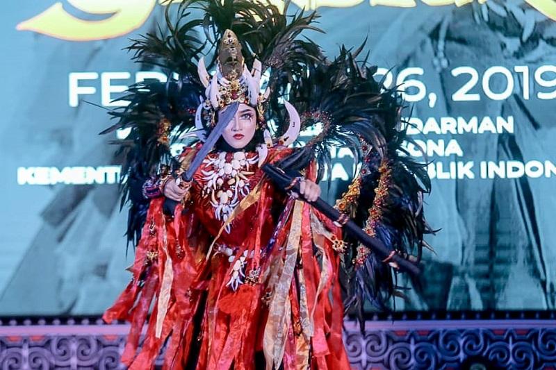 https: img-o.okeinfo.net content 2019 02 27 406 2023731 jember-fashion-carnaval-2019-usung-tema-keagungan-berbagai-suku-bangsa-rsBWj4HaGQ.jfif