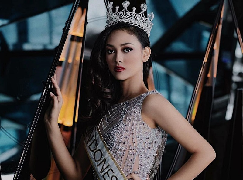 https: img-o.okeinfo.net content 2019 03 01 194 2024695 melaju-di-ajang-miss-world-ini-yang-jadi-target-princess-megonondo-wXezaqrTcZ.jpg