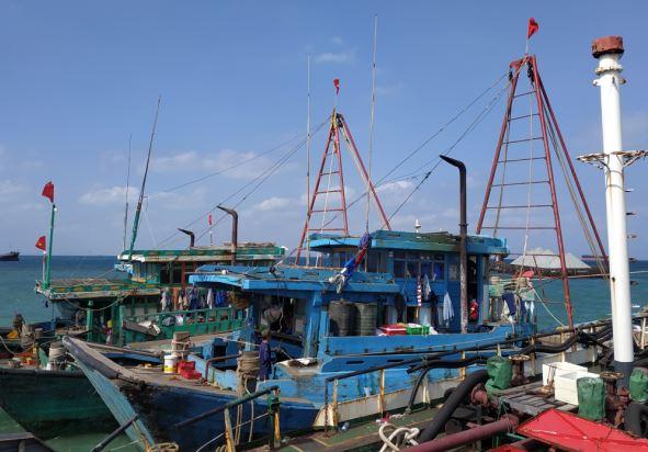 https: img-o.okeinfo.net content 2019 03 01 340 2024699 begini-kronologi-penangkapan-4-kapal-vietnam-pencuri-ikan-di-laut-natuna-NiLVcyy3g8.JPG