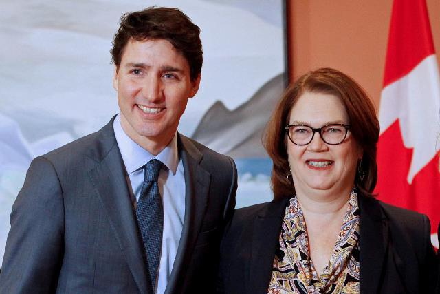 https: img-o.okeinfo.net content 2019 03 05 18 2026027 tak-percaya-cara-pemerintah-atasi-skandal-suap-menteri-keuangan-kanada-berhenti-aHO9PChAAD.jpg