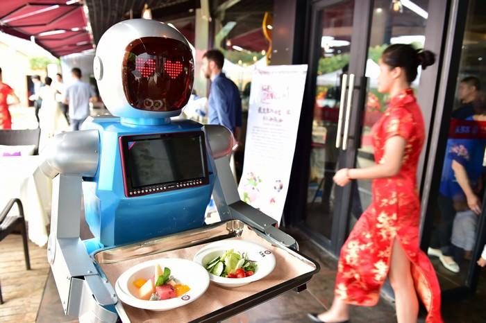 https: img-o.okeinfo.net content 2019 03 07 612 2026990 diganti-robot-10-pekerjaan-diprediksi-akan-hilang-profesi-anda-termasuk-o2XcJhHwj7.jpg