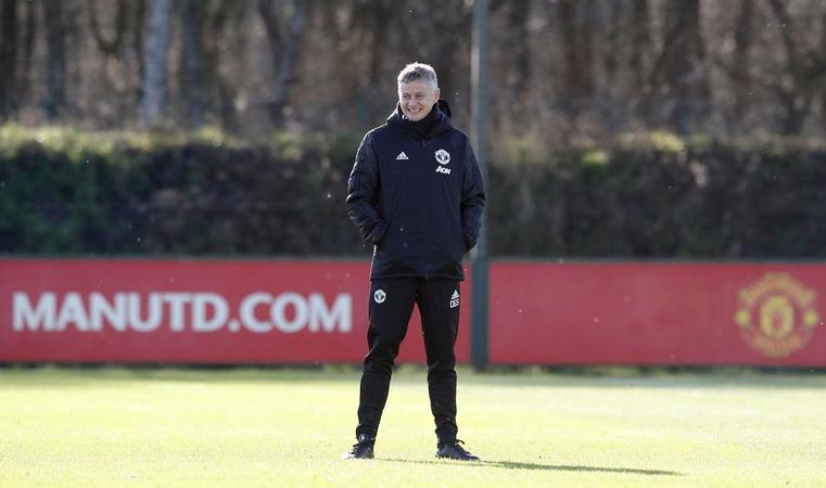 https: img-o.okeinfo.net content 2019 03 11 45 2028392 ditunjuk-sebagai-pelatih-permanen-man-united-solskjaer-tendang-van-dijk-zizxktW9Jg.jpg
