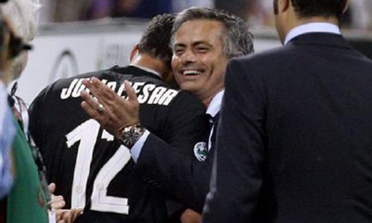 https: img-o.okeinfo.net content 2019 03 15 51 2030525 julio-cesar-ungkap-kepribadian-mourinho-yang-tak-diketahui-banyak-orang-k9d5Rsk8tg.jpg