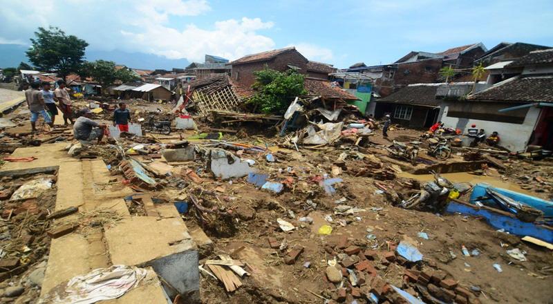 https: img-o.okeinfo.net content 2019 03 17 340 2031164 korban-meninggal-akibat-banjir-bandang-di-jayapura-bertambah-jadi-61-orang-5Rai3sbCHT.JPG
