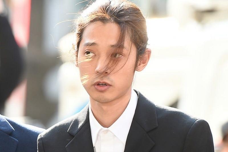 Hasil gambar untuk Jung Joon Young