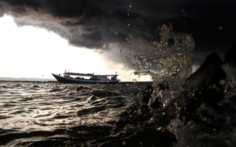 https: img-o.okeinfo.net content 2019 03 19 337 2032067 bmkg-imbau-gelombang-tinggi-hingga-4-meter-di-perairan-indonesia-uVtE3CT9xJ.jpg
