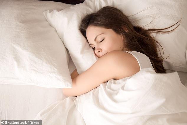 https: img-o.okeinfo.net content 2019 03 19 481 2032317 salah-bantal-itu-benar-ada-jenis-bantal-tergantung-posisi-tidur-anda-dX9JHlnpHW.jpg