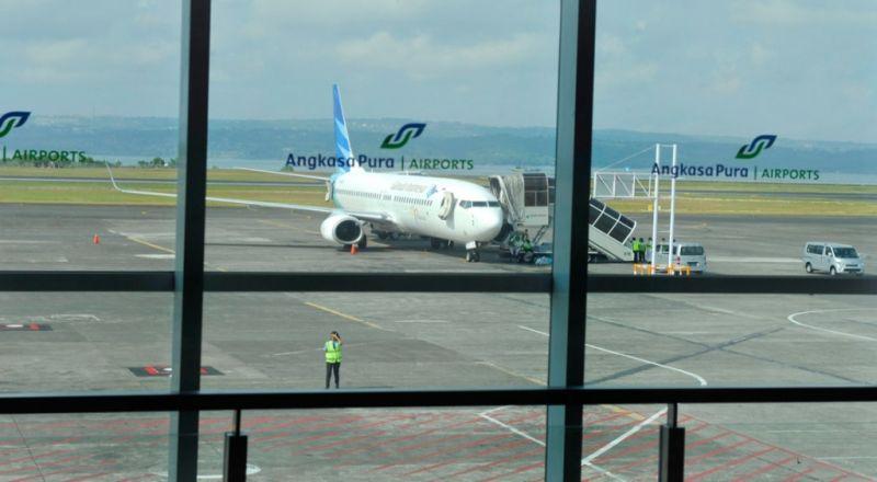 https: img-o.okeinfo.net content 2019 03 22 338 2033797 pilot-gadungan-garuda-indonesia-diciduk-saat-keluyuran-di-bandara-mXjCb26YYN.jpg