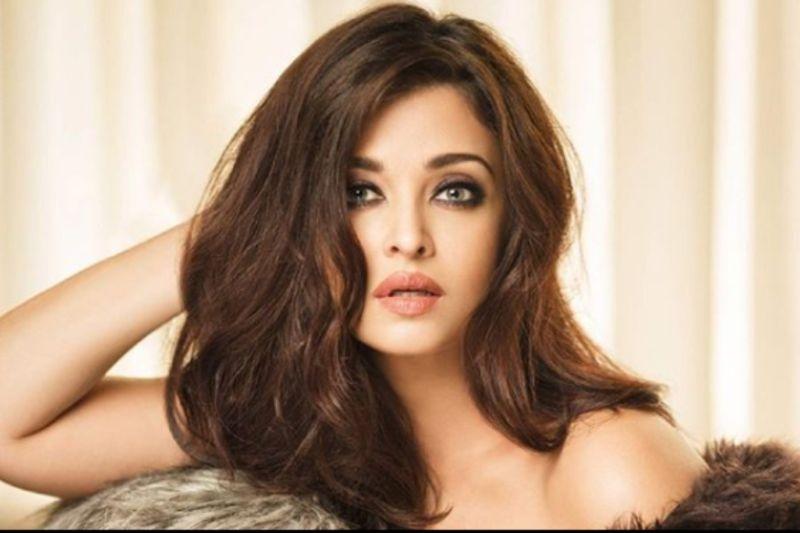 https: img-o.okeinfo.net content 2019 03 25 612 2034802 10-perempuan-tercantik-di-india-idola-kamu-masuk-gak-FqXsazU447.jpg