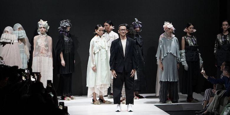 https: img-o.okeinfo.net content 2019 03 26 194 2035077 3-desainer-ungkap-kekuatan-wanita-dan-kesetaraan-gender-lewat-fashion-EEjoc2ra5e.jpg
