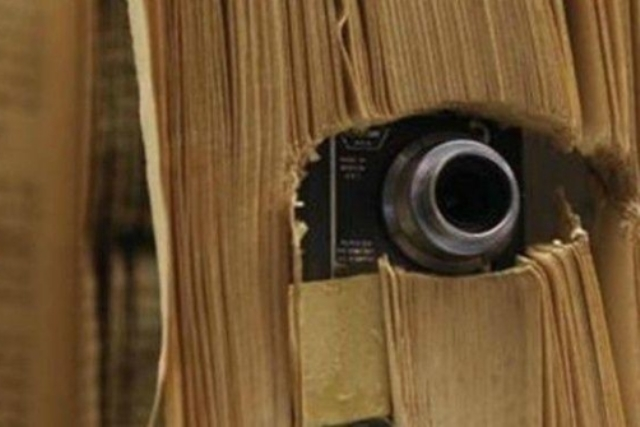 https: img-o.okeinfo.net content 2019 03 27 18 2035666 turis-hong-kong-ditahan-karena-pasang-kamera-tersembunyi-di-toilet-perempuan-bV4HzYhFT8.jpg