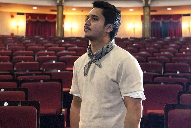 https: img-o.okeinfo.net content 2019 03 27 33 2035546 derby-romero-ingin-jadi-aktor-sekaligus-sutradara-dan-produser-SbfCJoq94h.jpg
