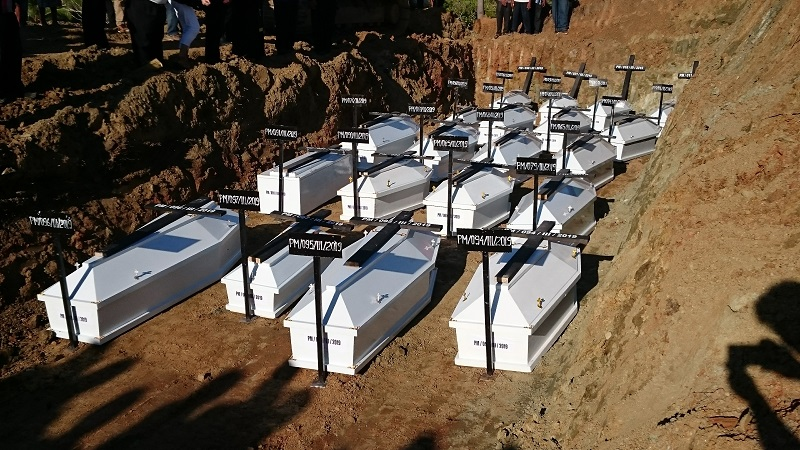 https: img-o.okeinfo.net content 2019 03 27 340 2035714 belum-teridentifikasi-20-jenazah-korban-banjir-bandang-sentani-dimakamkan-massal-smWdTKmVUa.JPG
