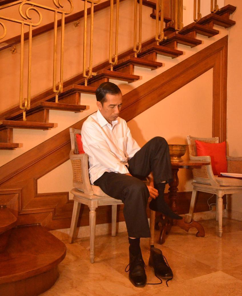 https: img-o.okeinfo.net content 2019 03 28 605 2036137 cerita-jokowi-berkerja-di-aceh-bangun-bisnis-tanpa-modal-hingga-jadi-presiden-Pw3sn11Ohk.jfif