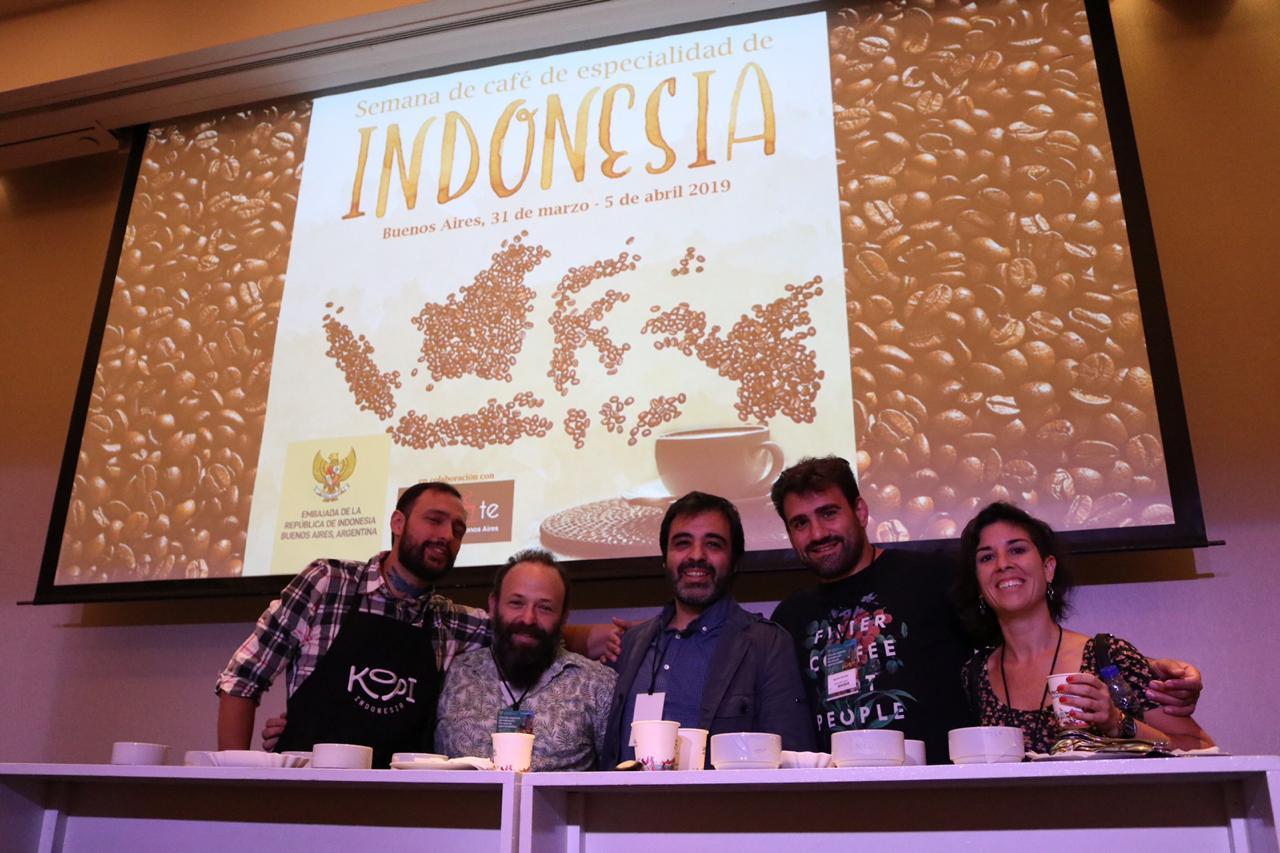 https: img-o.okeinfo.net content 2019 03 30 320 2037173 indonesia-berniat-tingkatkan-ekspor-kopi-ke-argentina-H1wCPCJyqJ.jpeg
